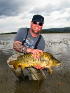 blog-May-16-2013-5-Ben-Smith-fly-fishing-for-carp