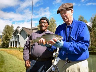 blog-Sept-19-2013-2-Teaching-fly-fishing-to-wounded-veterans