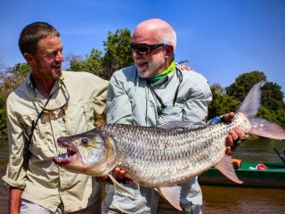 blog-Nov-10-2013-3-Jeff-Currier-Steve-Reem-tigerfishing