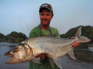 blog-Nov-4-2013-10-Jeff-Currier-flyfishing-tigerfish