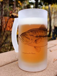 blog-Dec-6-2013-frosted-beer-mug-with-fish