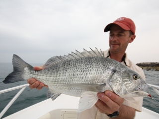 blog-March-22-2014-17-Jeff-Currier-and-sobaity-bream-dubai