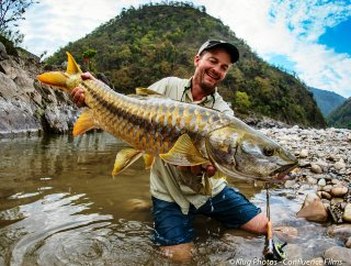 blog-April-24-2014-3-jeff-currrier-with-golden-mahseer