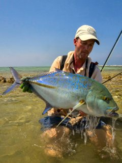blog-March-26-2014-9-jeff-currier-flyfishing-for-bluefin-trevally