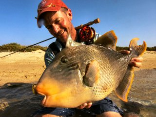blog-March-28-2014-8-jeff-currier-flyfishing-for-triggerfish