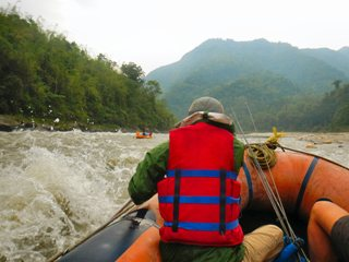 blog-May-24-2014-5-whitewater-rafting-bhutan