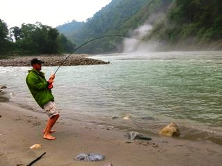 blog-May-27-2014-3-jeff-currier-flyfishing-mahseer