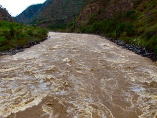 blog-May-29-2014-2-a-raging-mahseer-river-in-bhutan
