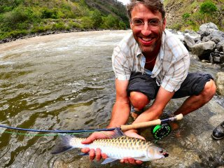 blog-May-29-2014-9-jon-miceler-with-chocolate-mahseer