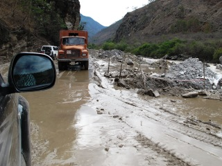 blog-May-30-2014-5-driving-in-bhutan