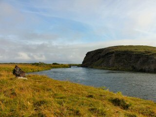 blog-Aug-11-2014-1-monument-pool-iceland