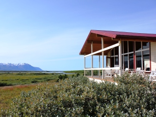 blog-Aug-3-2014-4-vokuholt-lodge-in-iceland