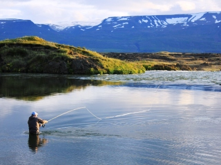 blog-Aug-3-2014-6-flyfishing-in-iceland
