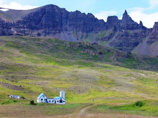 blog-Aug-3-2014-7-driving-in-iceland