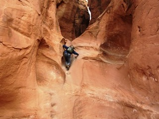 blog-Nov-18-2014-3-jeff-currier-in-peekaboo-slot-canyon