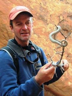blog-Nov-18-2014-4-jeff-currier-catching-a rattlesnake