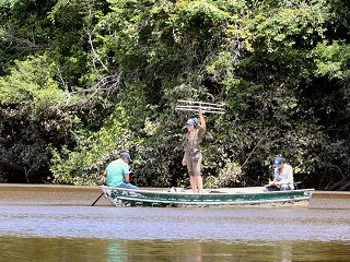 blog-Nov-5-2014-8-dr-lesley-de-souza-tracking-arapaima-in-guyana