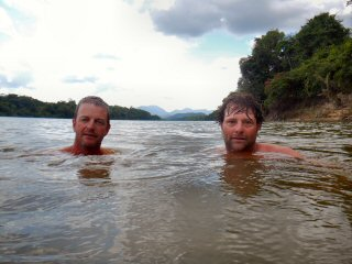 blog-Nov-5-2014-9-jeff-currier-and-tim-brune-swimming-in-the-amazon