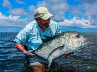 blog-Dec-11-2014-4-flyfishing-for-giant-trevally