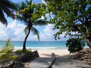 blog-Dec-2-2014-3-coral-strand-hotel-seyechelles