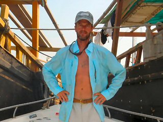 blog-April-28-2015-13-jeff-currier-in-musandam-oman