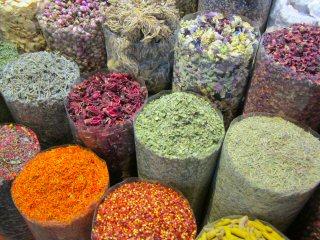 blog-May-2-2015-1-spice-market-in-dubai