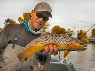 blog-Oct-25-2015-4-josh-gallivan-fishing
