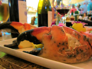blog-Feb-5-2016-9-colossal-crab-claw