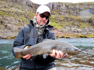 blog-aug-26-2016-8-jeff-currier-brown-trout-fishing-iceland